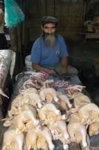 Iquitos Markt Geflügelverkäufer