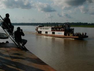 Schiff auf Amazonas