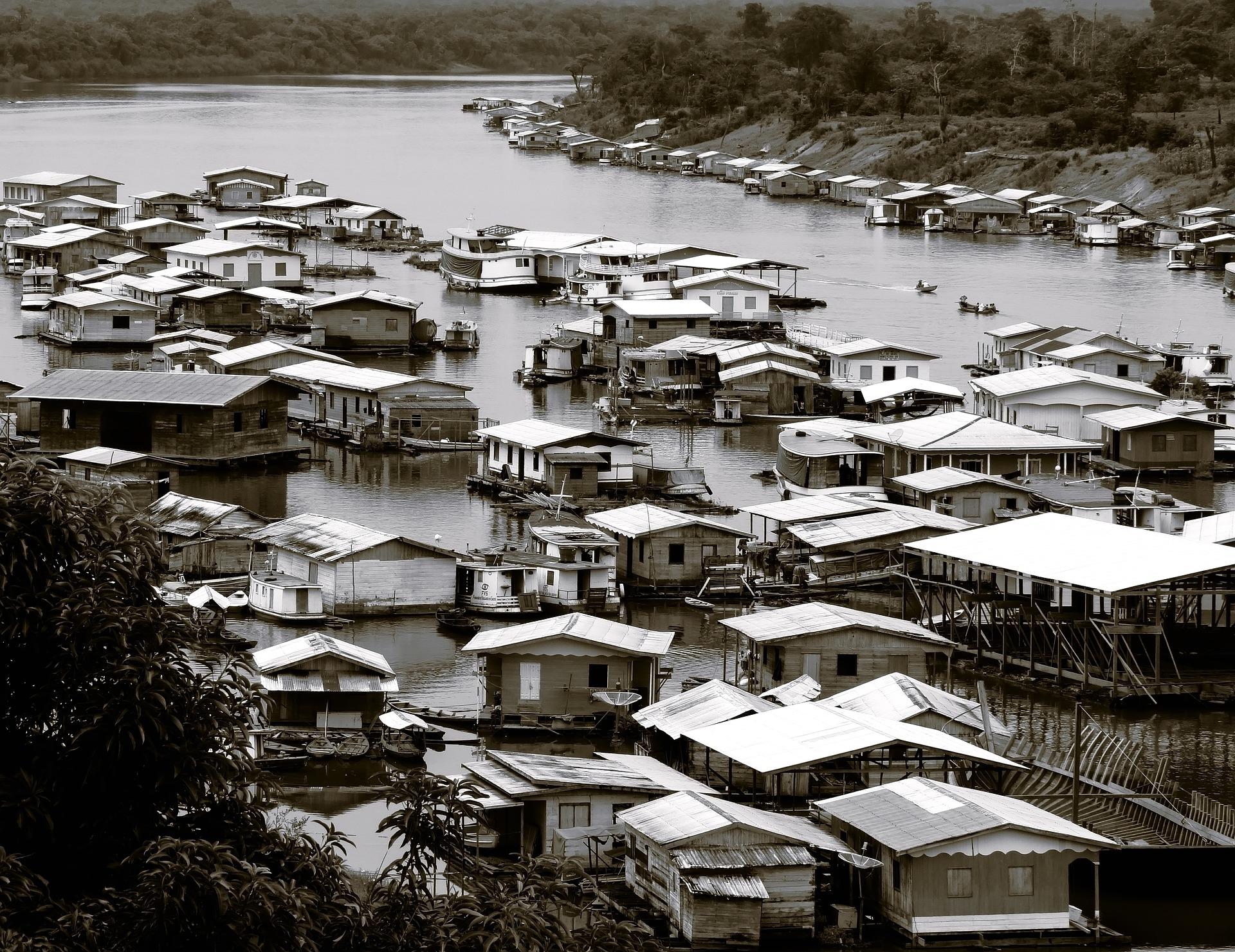 Dorf im Wasser Krankenhausschiff Ärzte